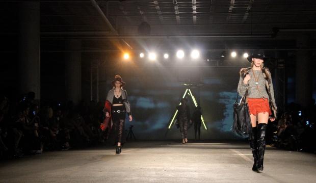 akira-fashion-show